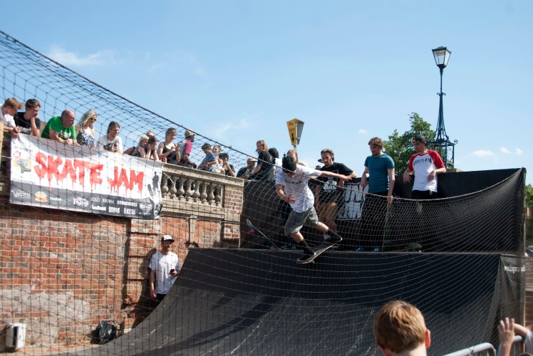 Skate Jam Skateboarding Phase   ethannevelyn.com